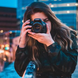How to Start a Photography Business with No Experience & Money